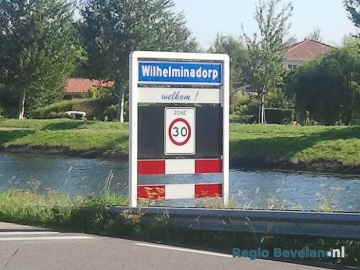 Duitse stropers van kreeften aangehouden te Wilhelminadorp - Foto: Richard de Looff