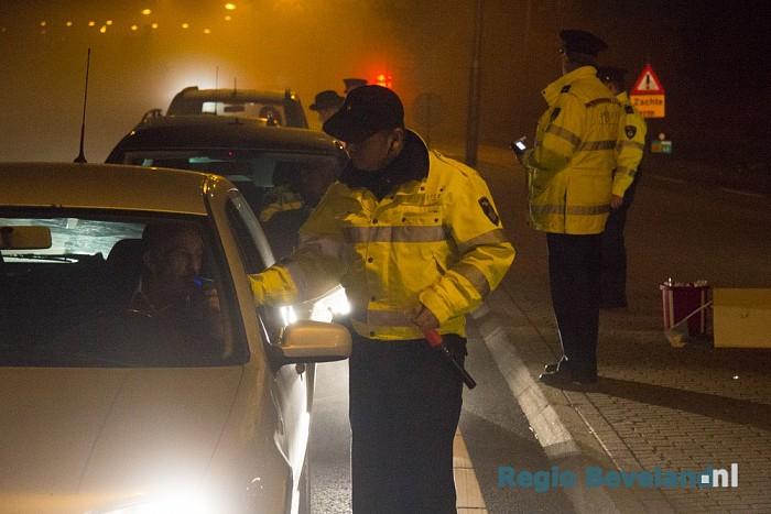 Zestal bestuurders in de fout tijdens alcoholcontroles - Foto: Pim Haarsma