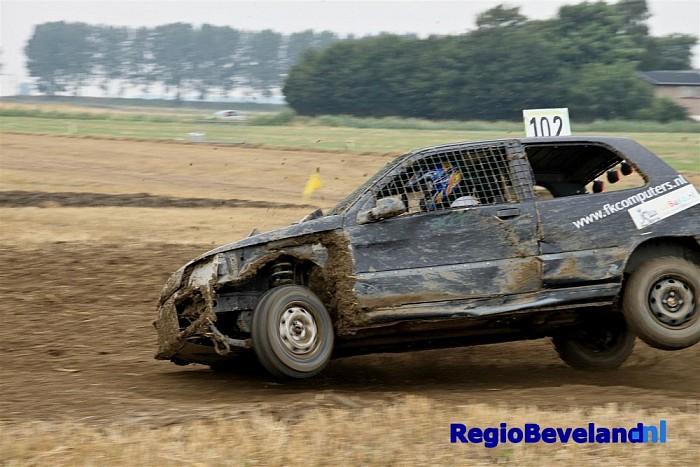 Autocross voor de Zeelandbokaal bij 's-Heer Arendskerke - Foto: Marcel Kloet