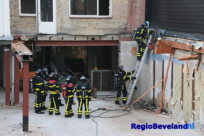 Kleine binnenbrand in woning aan de Oostwal te Goes - Foto: Marcel Kloet