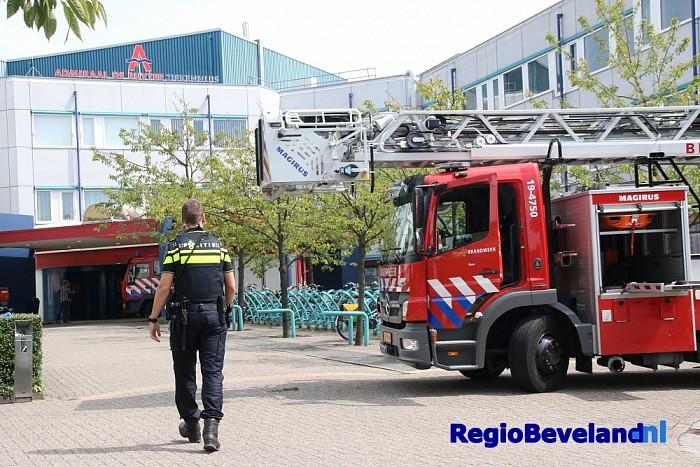 GRIP 1 bij brand in operatiekamer ziekenhuis te Goes - Foto: Marcel Kloet