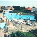 Verwarmd openluchtzwembad weer geopend te Wissenkerke