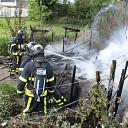 Tuinhuis volledig afgebrand aan Anthony Fokkerstraat Goes