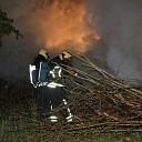 Groenafval in brand op de Zwaaksedijk te Kwadendamme