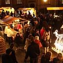 Geersdijk in kerstsferen tijdens kerstmarkt op 13 december
