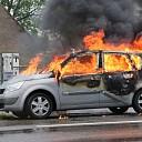 Personenauto volledig uitgebrand op Nieuwe Rijksweg